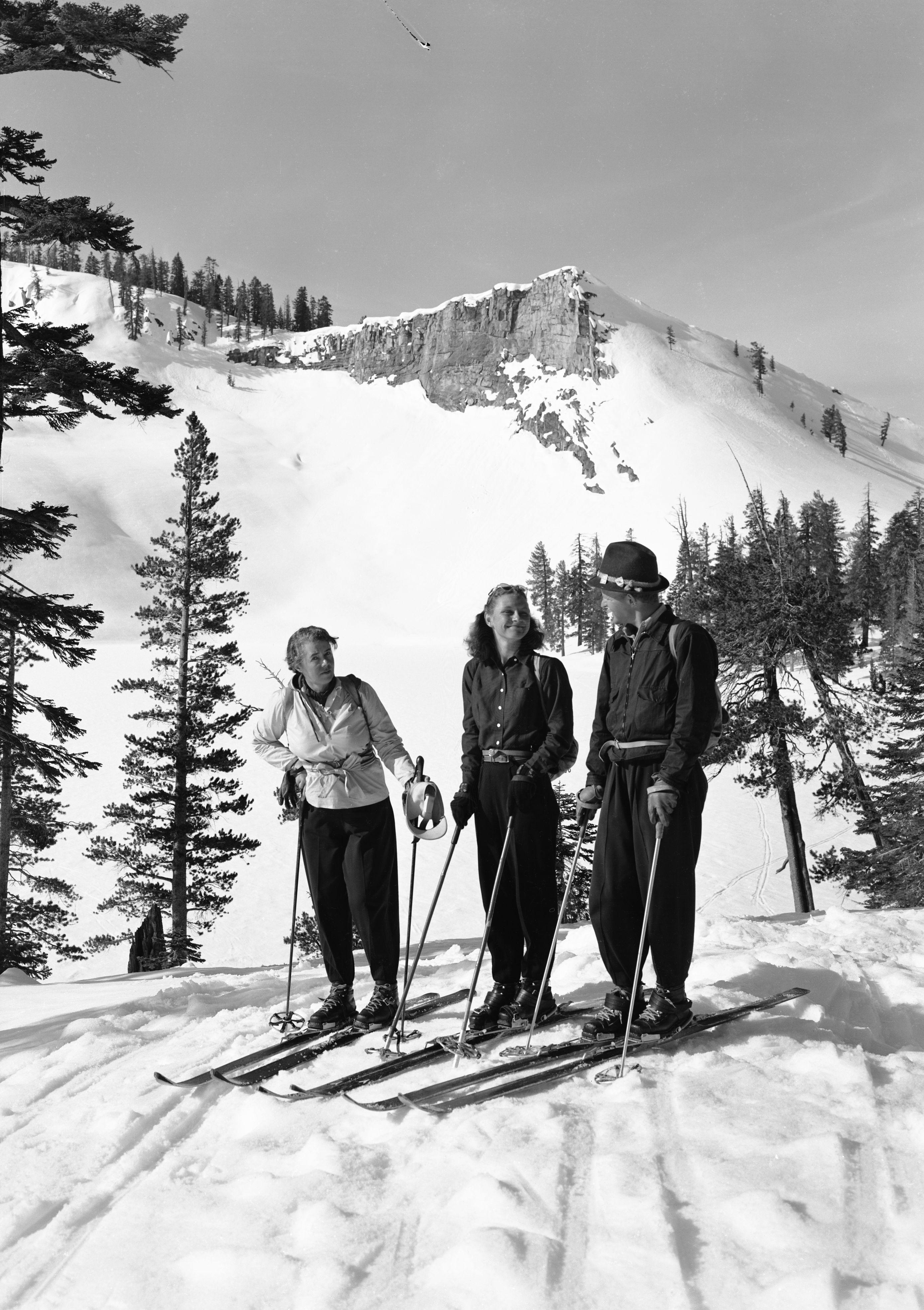 Skiers near Ostrander Ski Hut in 1941. Photo: NPS/Ralph H. Anderson (Yosemite Historic Photo Collection).