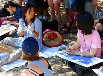 Visitors learn pastel drawing techniques during one of Molly's workshops in Yosemite Valley.